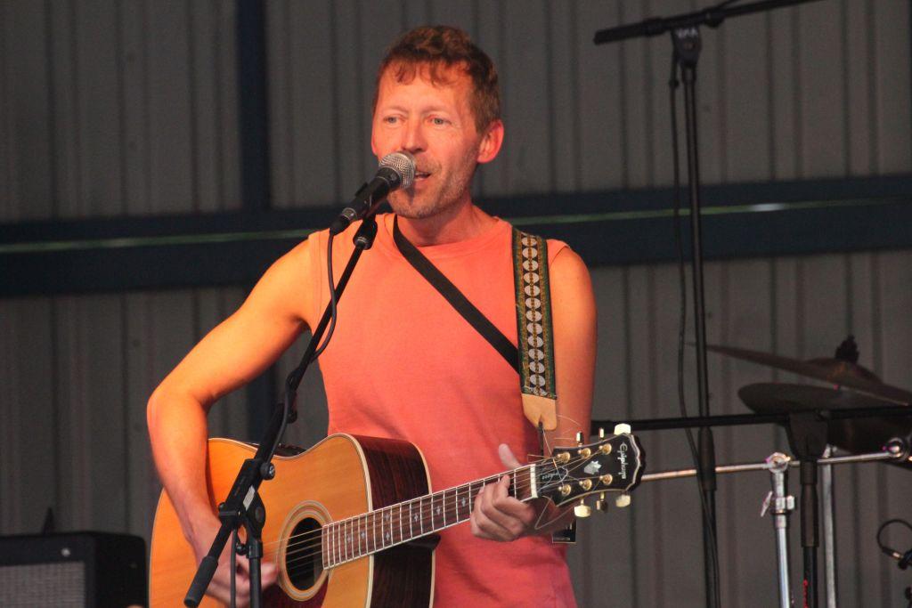 """Taavi Simonen on yksi """"Live Aid Rautalampi""""-hyväntekeväisyyskeikan esiintyjistä"""
